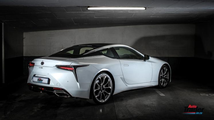 Lexus LC500 Coupe-14